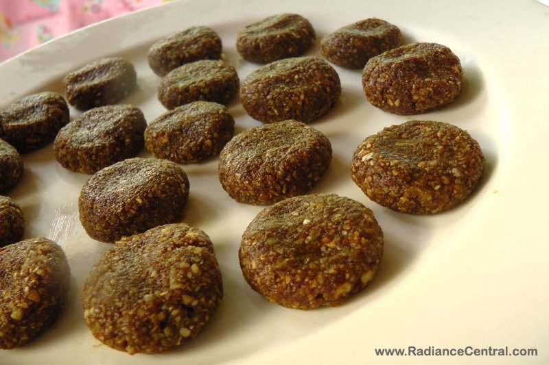 Healthy No-Bake Lactation Cookies Recipe-www.RadianceCentral.com